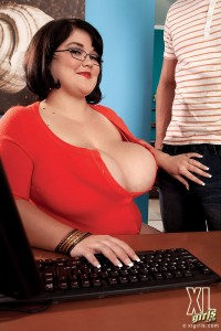 Lisa Canon Xl Girls At The Office