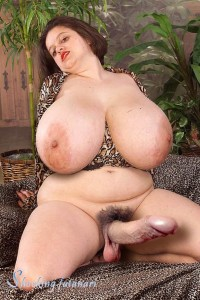 Mega chubby nude — photo 1